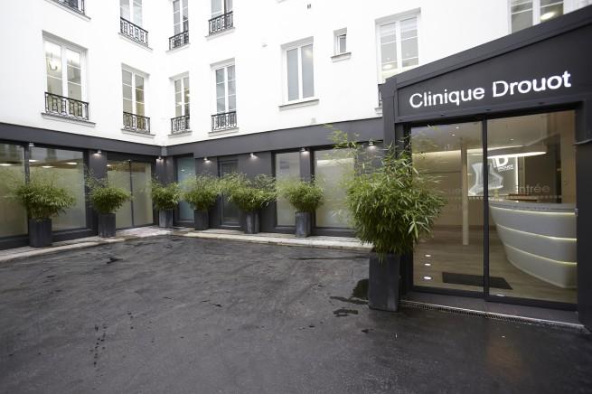 Clinique Drouot, cours, entrée